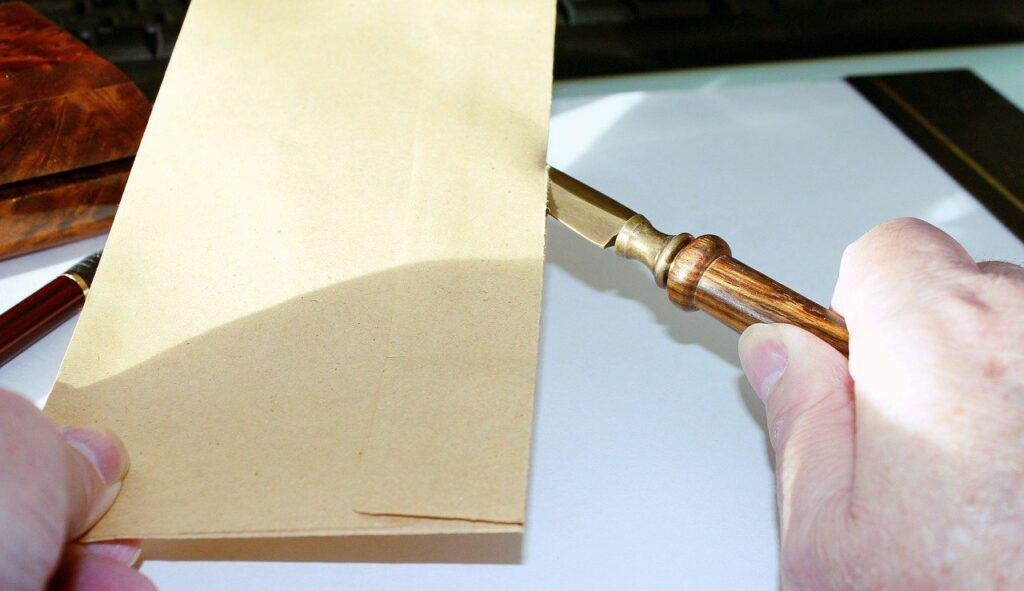 koperta otwierany nożem do otwierania listów