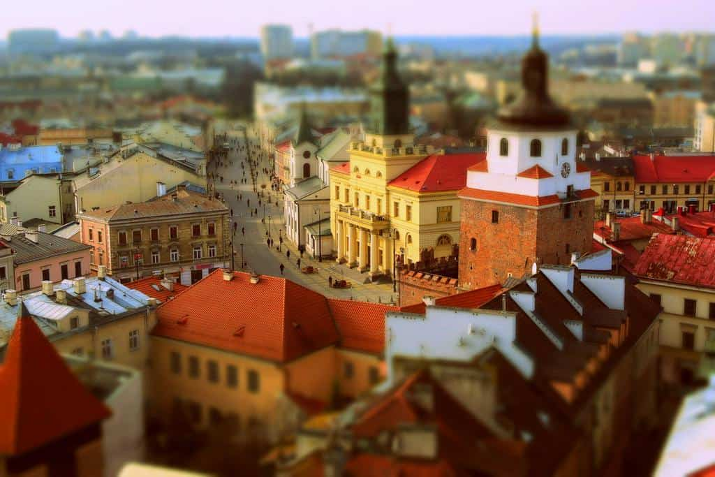 widok z lotu ptaka na stare miasto w Lublinie