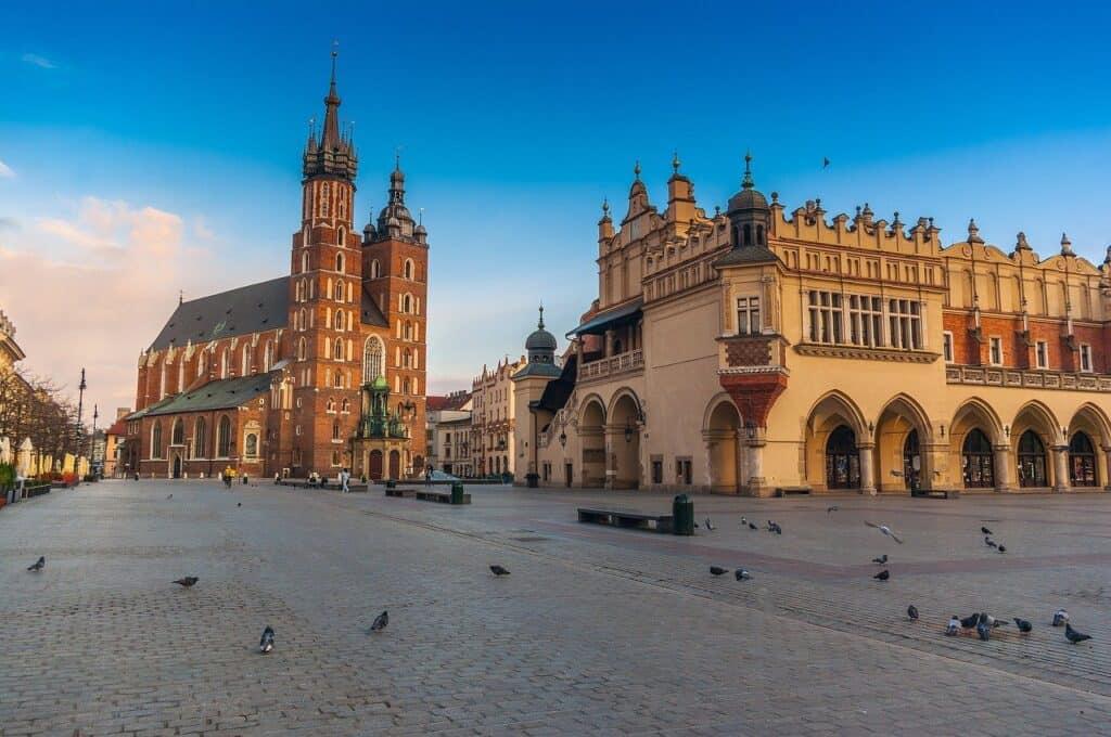 Widok na Rynek w Krakowie - w tle Kościół Mariacki i Sukiennice